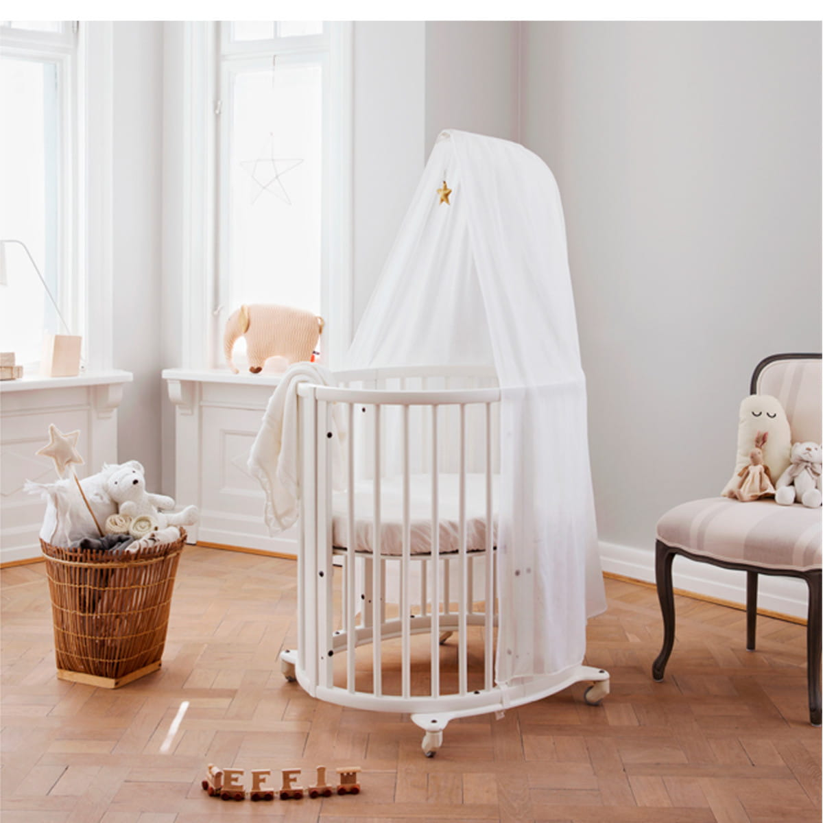 eczko stokke sleepi mini natural nordic decoration home. Black Bedroom Furniture Sets. Home Design Ideas